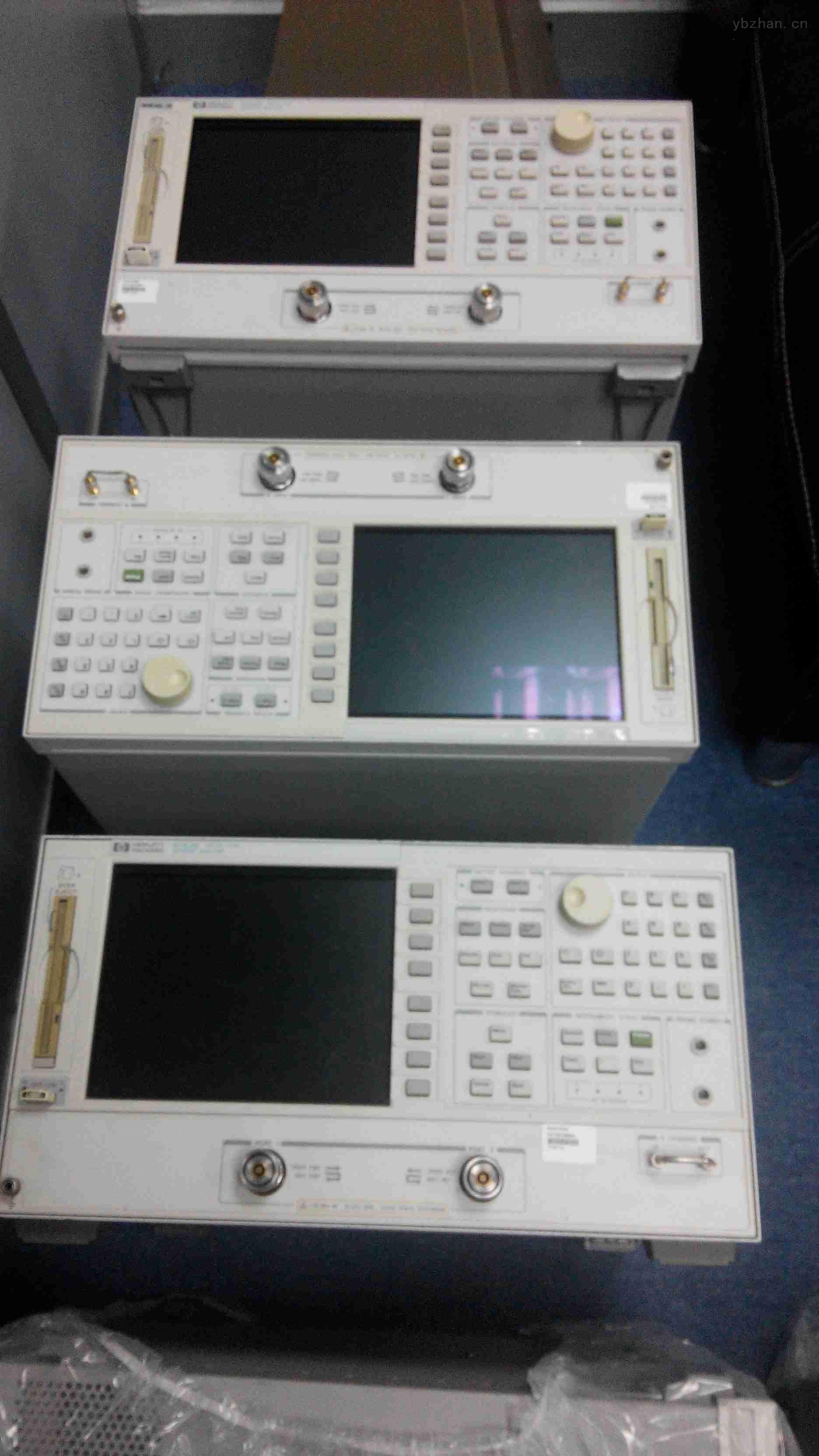 产品名称:网络分析仪 品 牌:HP/agilent安捷伦 产品型号: 8753E 仪器产地: 美国 技术指标:30KHz-3GHz/6GHz Agilent 8753E|HP-8753E 3G|6G射频网络分析仪 30kHz-3G/6GHz *频率范围:30kHz~3或6GHz *带有固态转换的集成化S参数测试装置 *达110dB的动态范围 *快的测量速度和数据传递速率 *大屏幕LCD显示器加上供外部监视器用的VGA输出 *同时显示所有4个S参数 *将仪器状态和数据存储/调用到内置软盘驱动器 *可选用的时